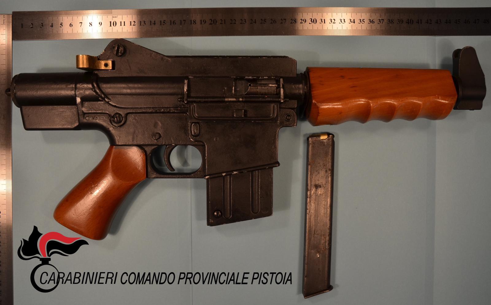 Cronaca, Carabinieri Pistoia: arrestato perchè in possesso di un'arma micidiale