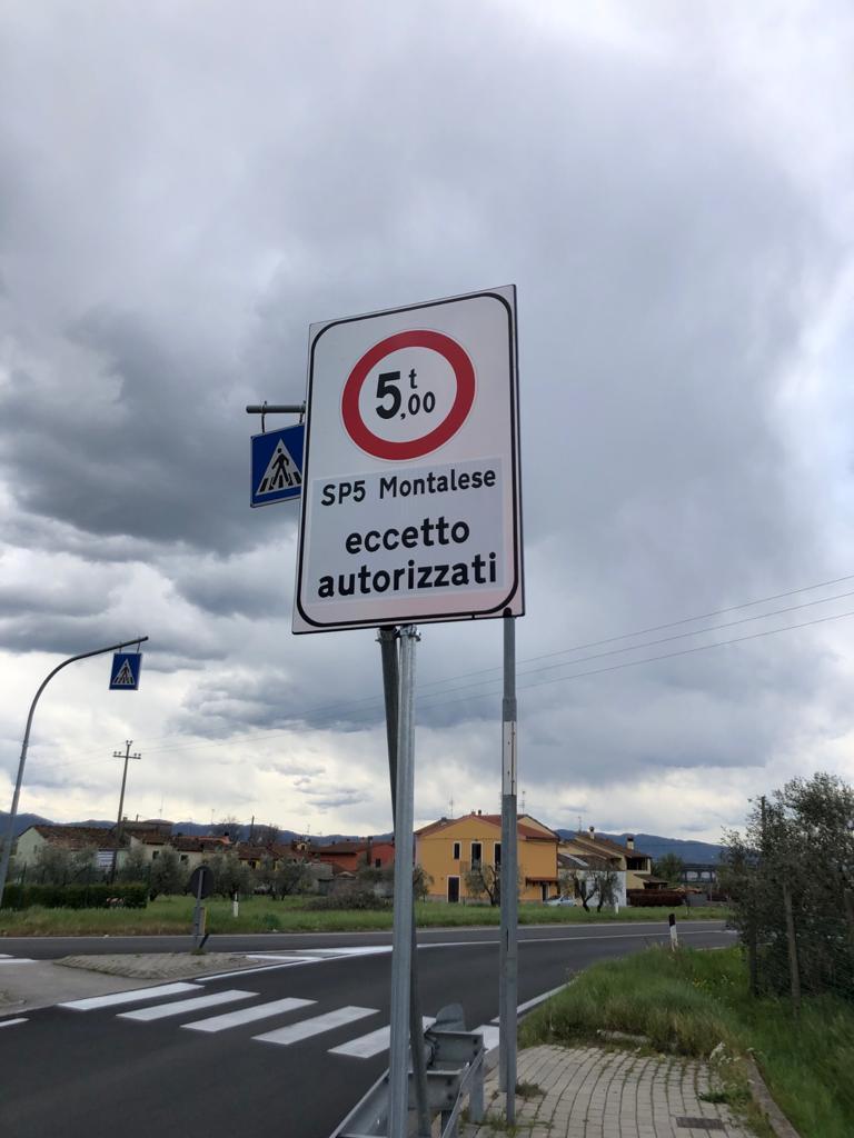 Nuovi limiti ai Tir su via Sestini/Montalese, novità amara per i comitati