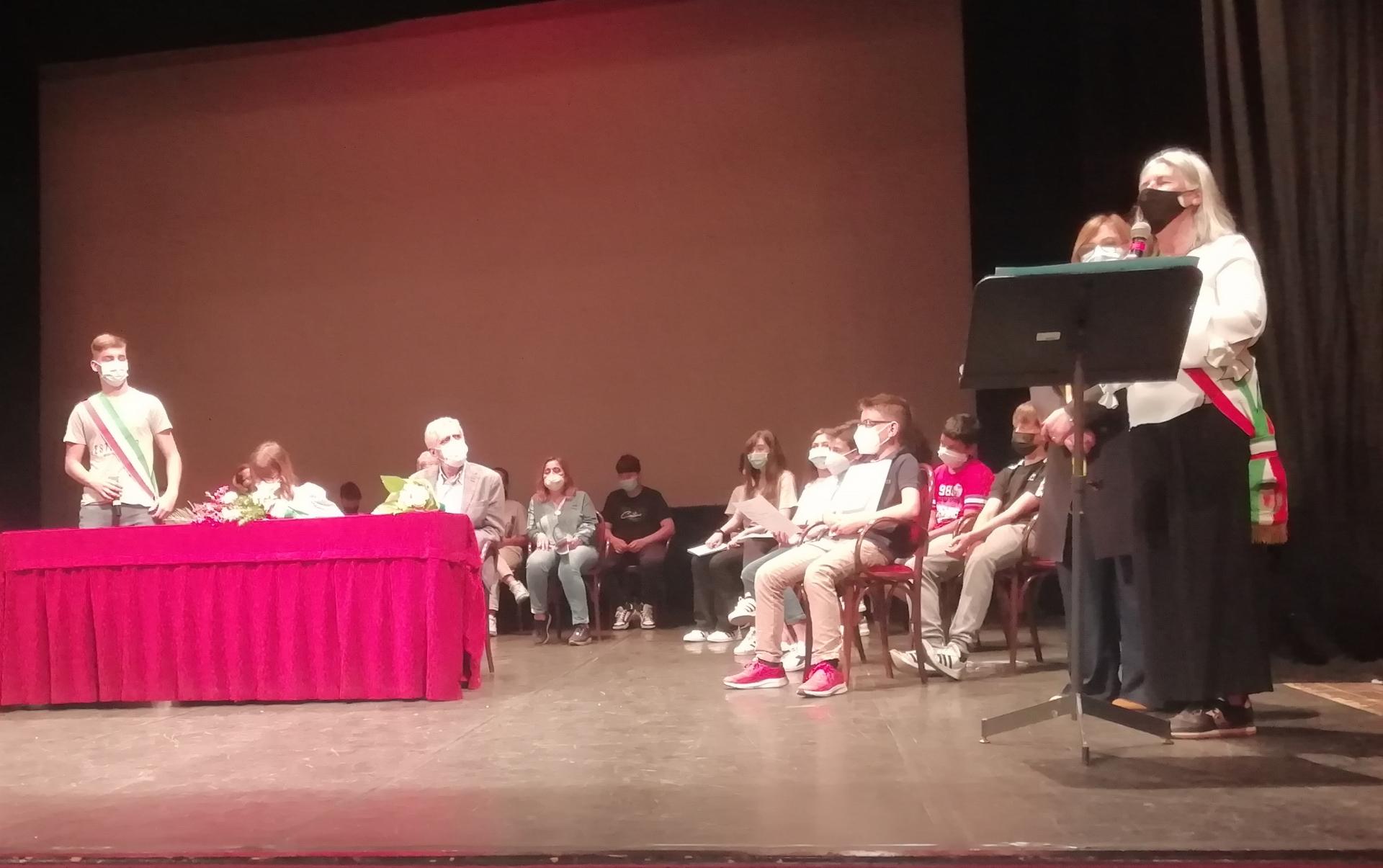 Scuola, Pescia: si è insediato il nuovo Consiglio Comunale dei Ragazzi.