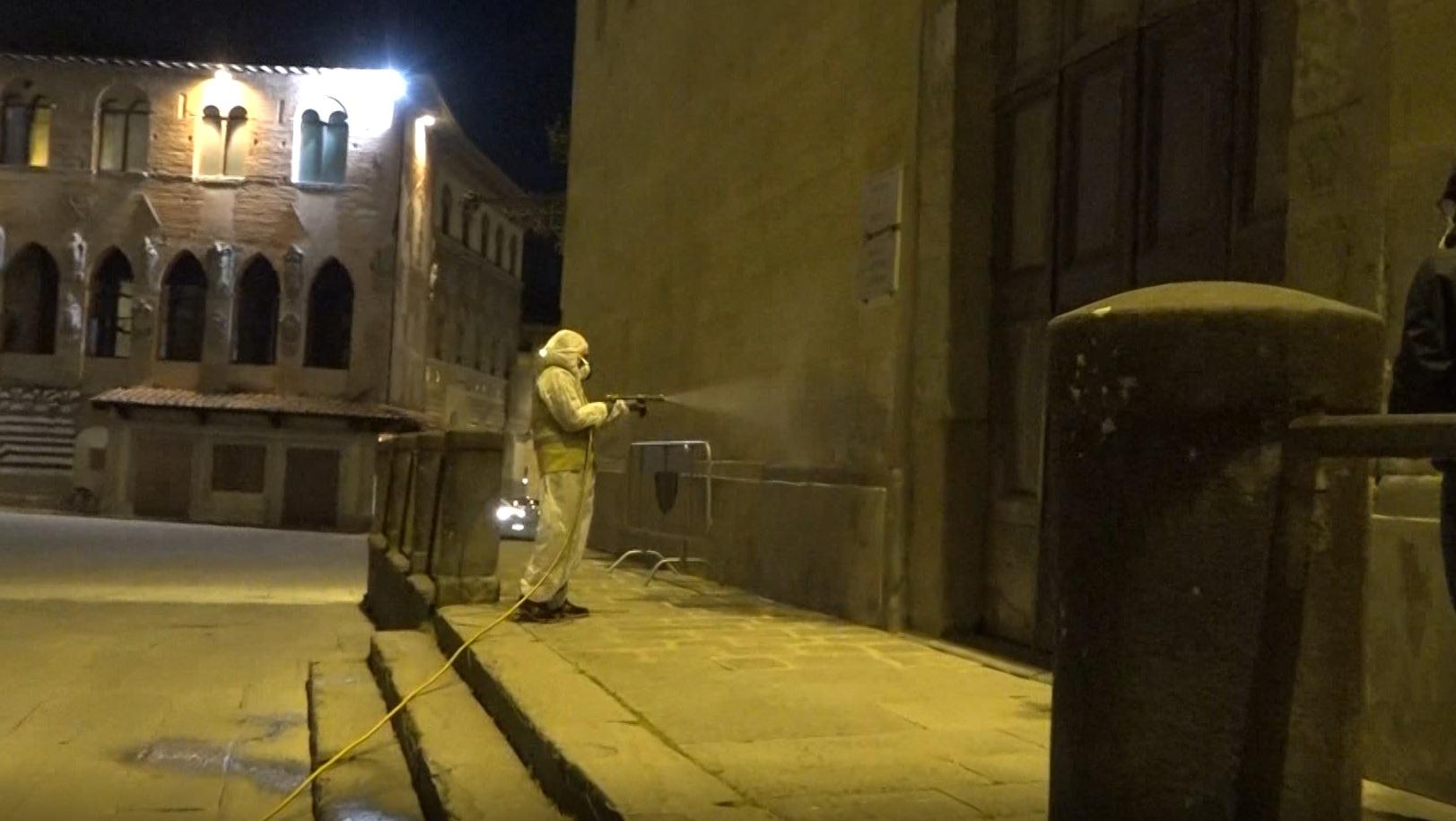 Nella serata di ieri sanificazione a Pistoia