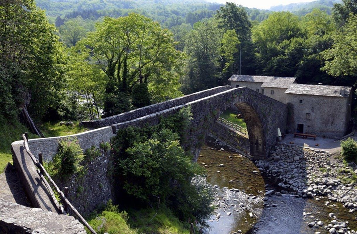 Un sentiero sistemato dal Cai dal Passo di Croce al Ponte di Castruccio