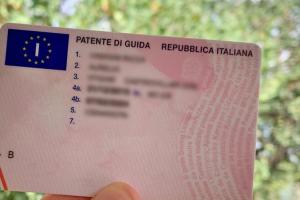 Proroga scadenza patenti di guida e revisioni