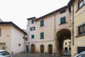 """Pistoia: ordinanza """"restrittiva"""" per piazzetta Romana"""